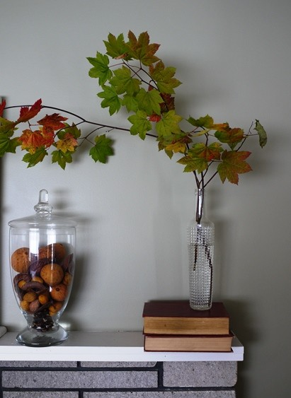 Styling an Autumn Themed Fireplace Mantel