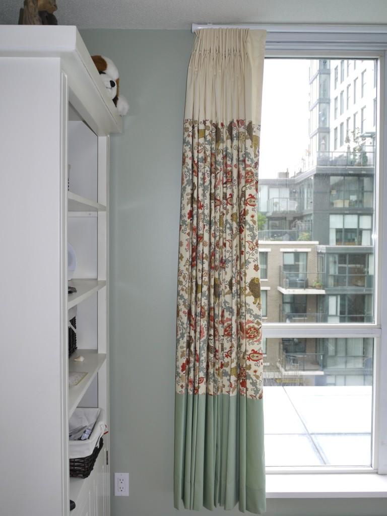 custom colour banded nursery drapes