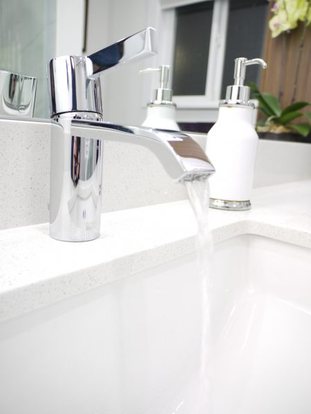 Dornbract single lever faucet, undermount sink
