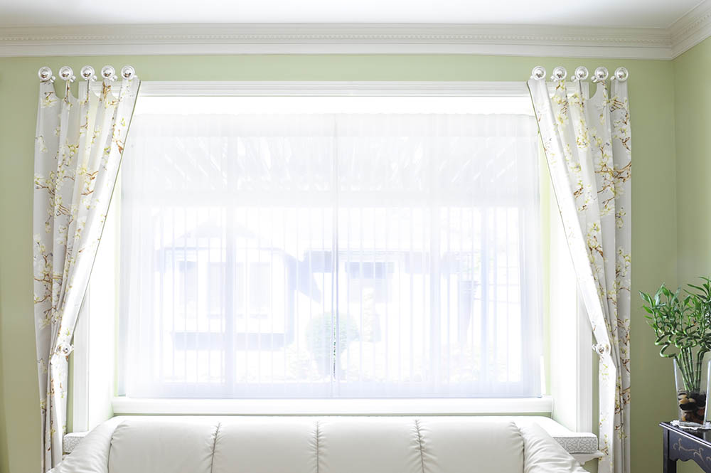 custom-drapes-and-window-treatments-interior-decorating-services1