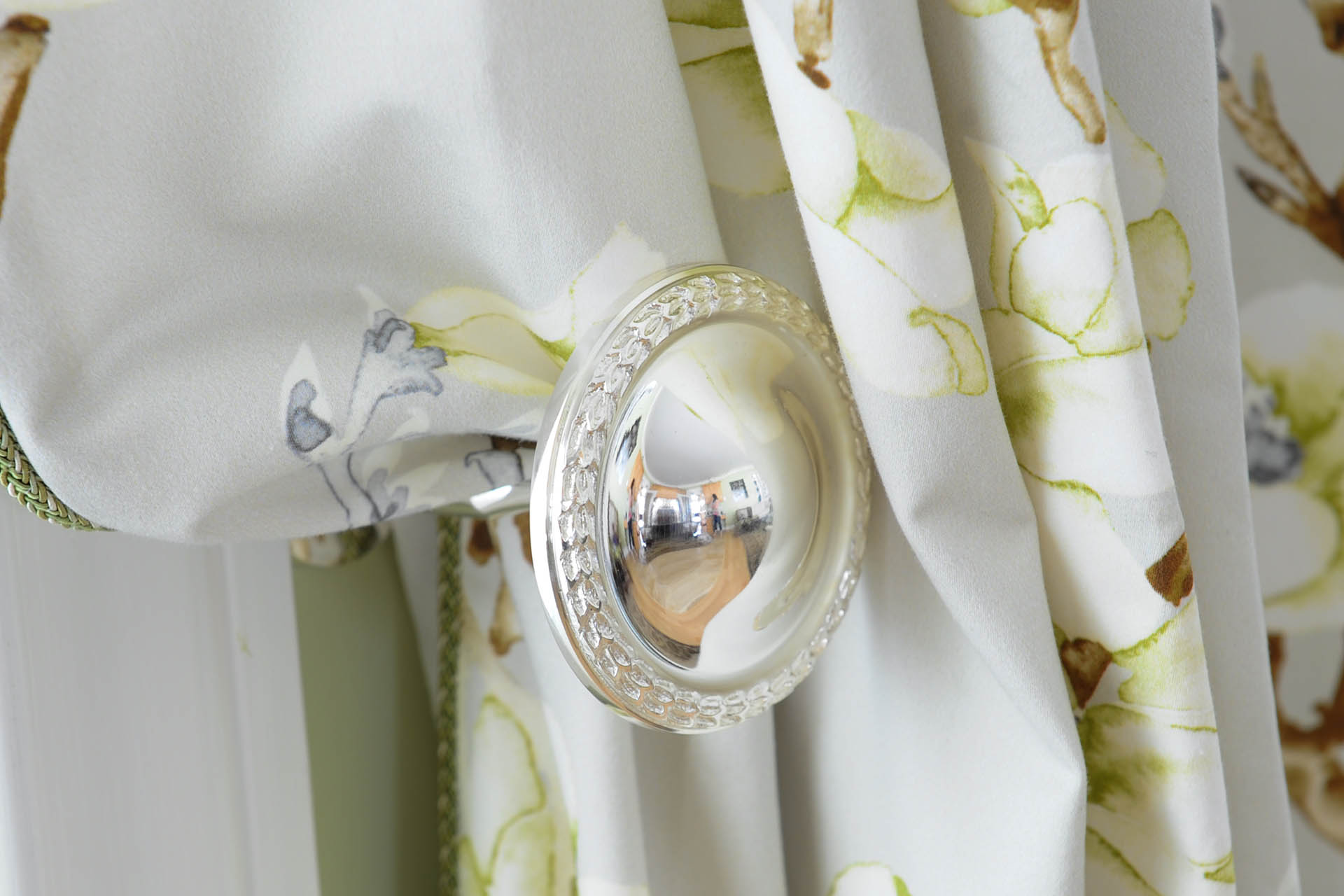 interior-decorating-blind-drapes-services1